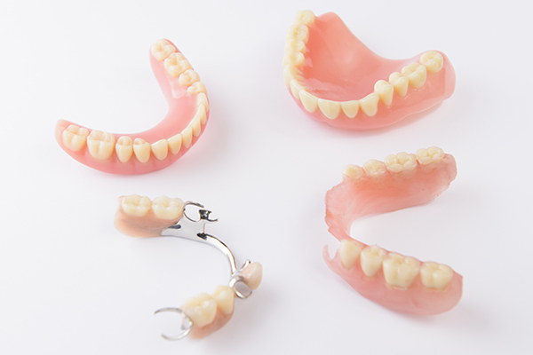 Different types of denture